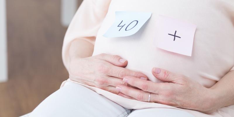 Wiek kobiety a ciąża – jaki jest najlepszy wiek na zostanie mamą?